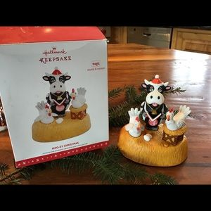 HALLMARK MOO-EY CHRISTMAS WITH SOUND AND MOTION
